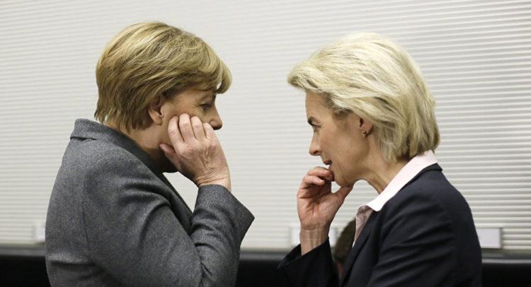Von der Leyen e Angela Merkel