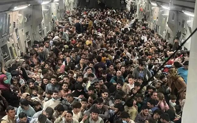 "Raggi, ""strutture comunali per i rifugiati afghani"", ma che fine fa la sicurezza? | Rec News dir. Zaira Bartucca"
